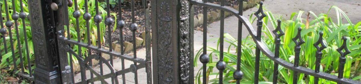 Kovácsoltvas kapu és kerítés +36 30 768-3454