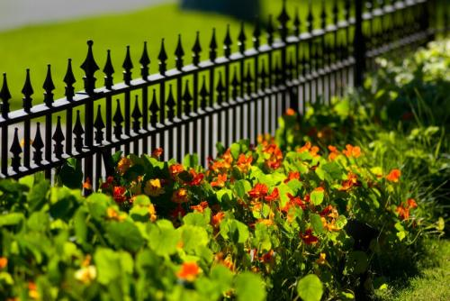 szép kovácsoltvas kerítés